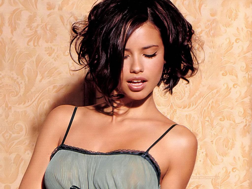 Adriana Lima Short Hair