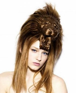 Unusual Women's Hairstyles - Photos